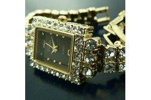 /109-440-thickbox/montre-femme-bracelet-gourmette-plaque-or-rectangulaire-strass.jpg
