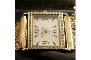 /158-642-thickbox/montre-femme-gourmette-bracelet-fil-d-or-plaque-or-strass.jpg